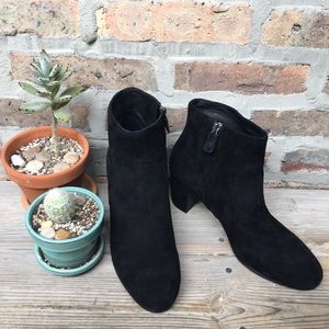 Eileen Fisher classic chic black zip boot size 9